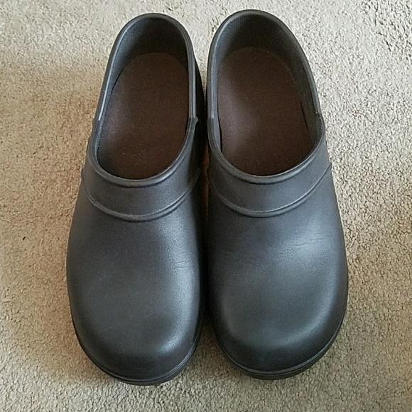 0afc205bf7e5e3 CROCS Shoes - Crocs on the clock work clogs kitchen shoes 10